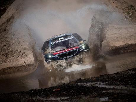 Sebastien Loeb já mostrou quais são suas intenções: as mesmas de sempre (foto Red Bull Content)