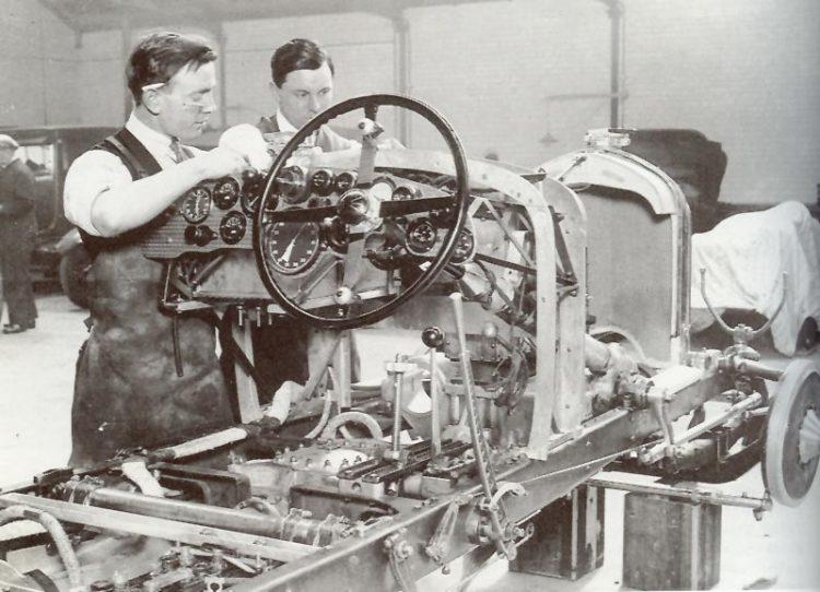 BENTLEY E OS CAMINHÕES MAIS RÁPIDOS DO MUNDO Puli104 craftsmanshipmuseum com