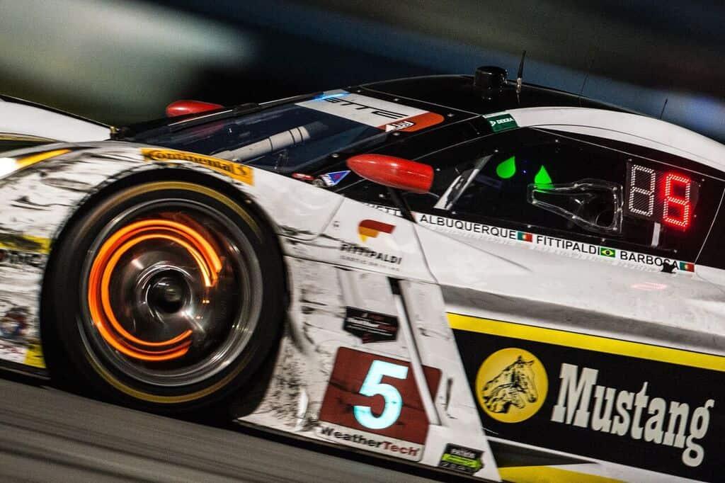 Christian Fittipaldi esteve próximo de vencer Daytona pela terceira vez. Um semi-eixo impediu (foto José Mário Dias)