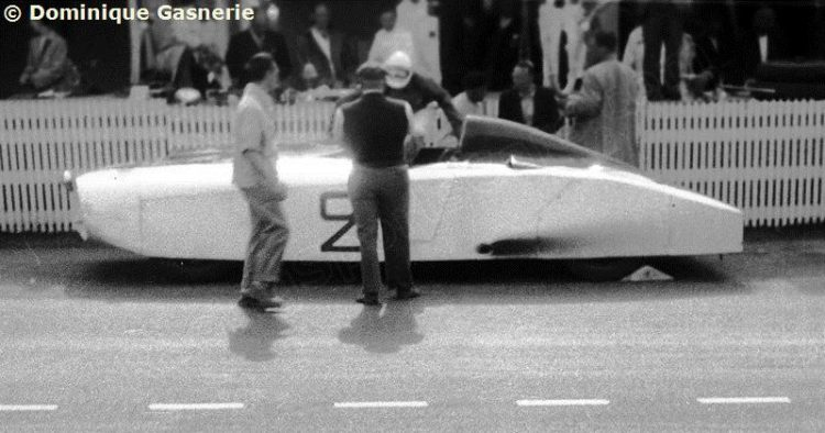 OS CADILLACS DE CORRIDA DE BRIGGS CUNNINGHAM WM Le Mans 1950 06 25 002