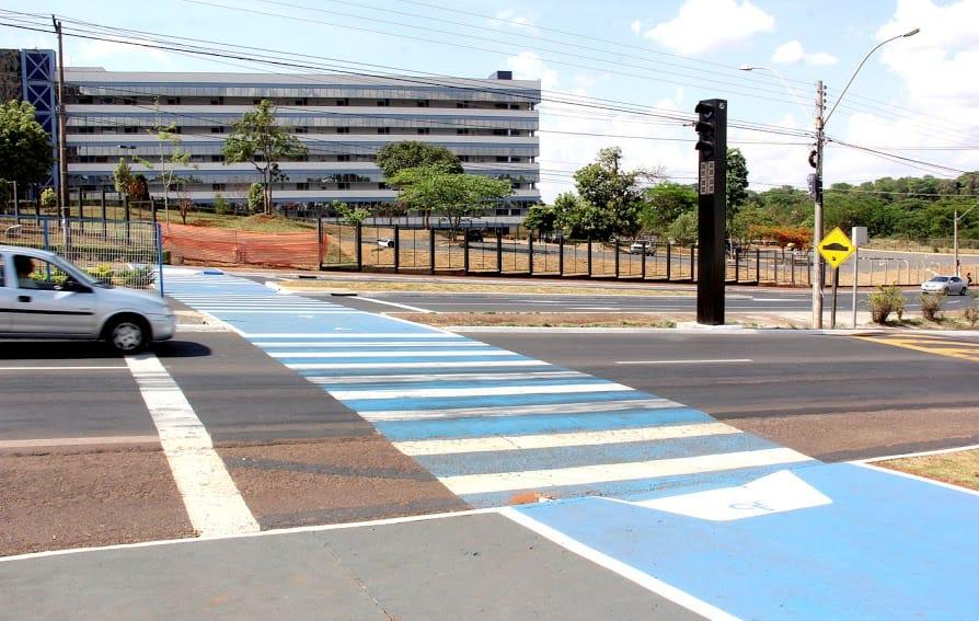 coluna 17-2-16 faixas pedestres Araraquara  EM BREVE, TODOS SEREMOS DALTÔNICOS coluna 17 2 16 faixas pedestres Araraquara