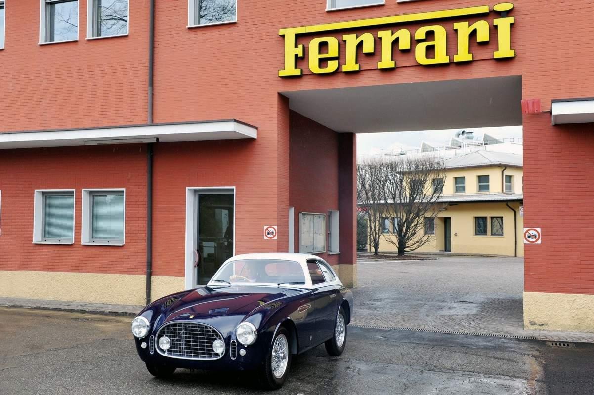 Ferrari-225E