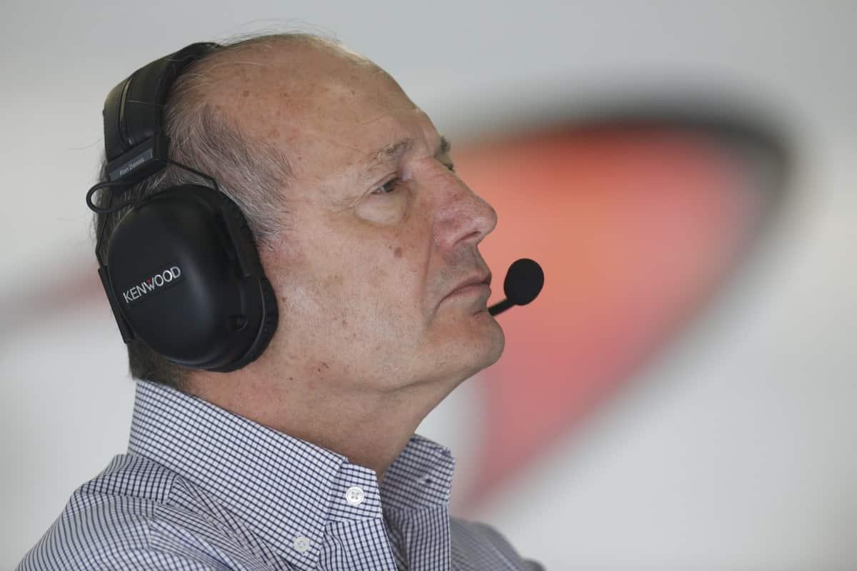 """Dennis: """"Difícil é se manter no topo"""". (foto McLaren)  COMO ESTÁ FICA 79P4514"""