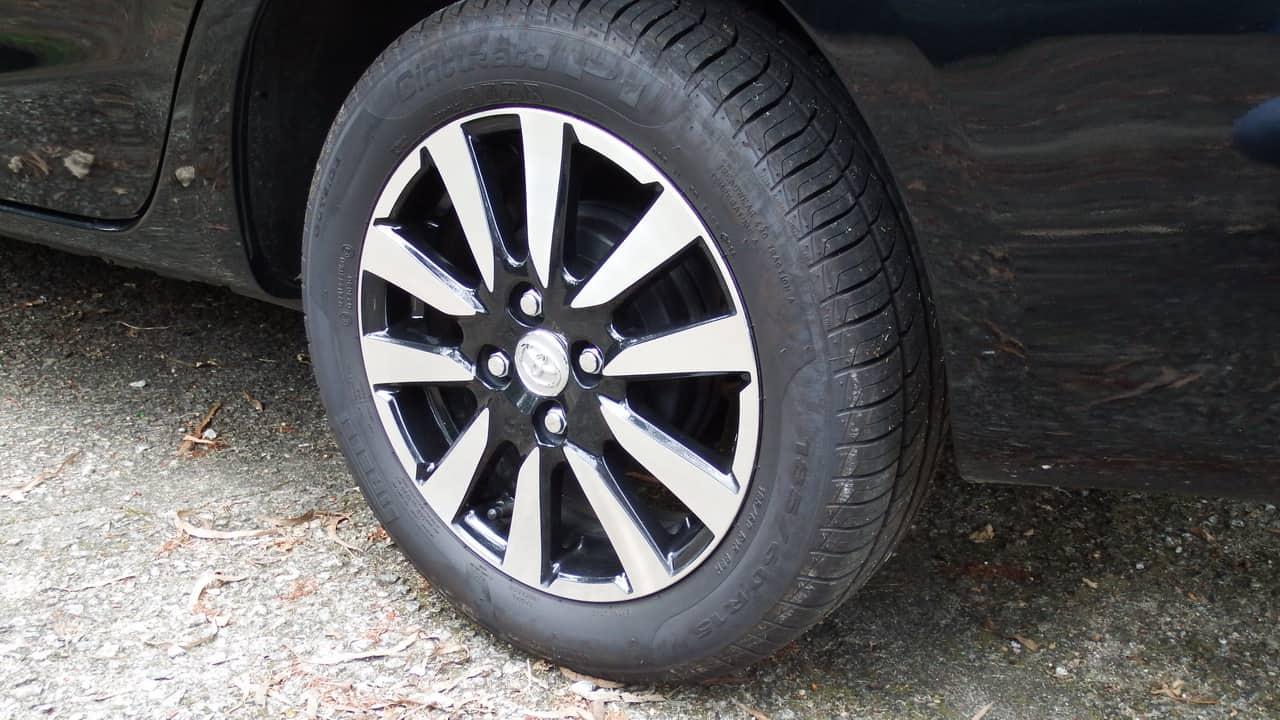 Toyota Etios 03