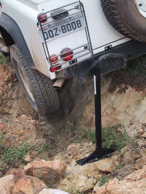 """Um Macado Hi-Lift pode ajudar a """"levantar"""" o carro em diversas situações"""