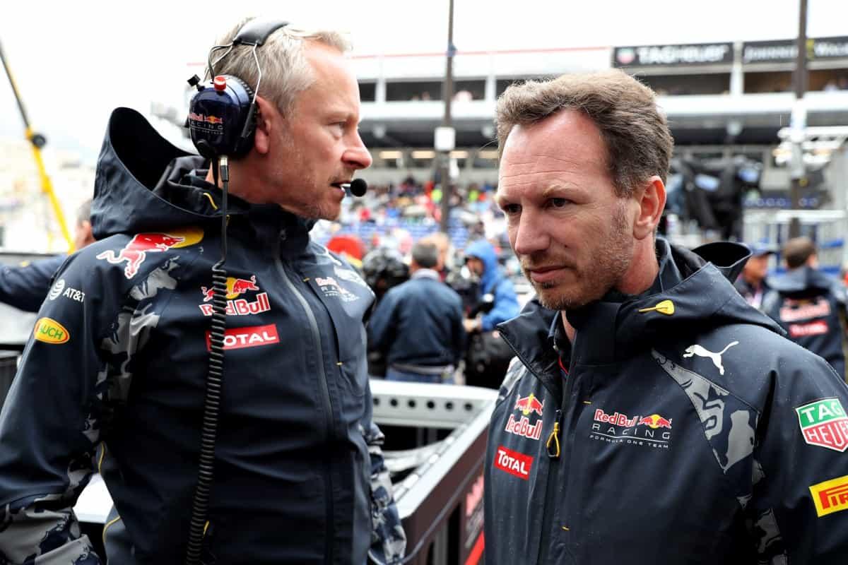 Horner dá desculpa folgada e culpa falta de espaço para justificar péssimo pit stop (foto Red Bull/Getty Images)  OS CONTRASTES DO ATLÂNTICO NORTE 20160531 F1 Monaco Horner RBRGetty