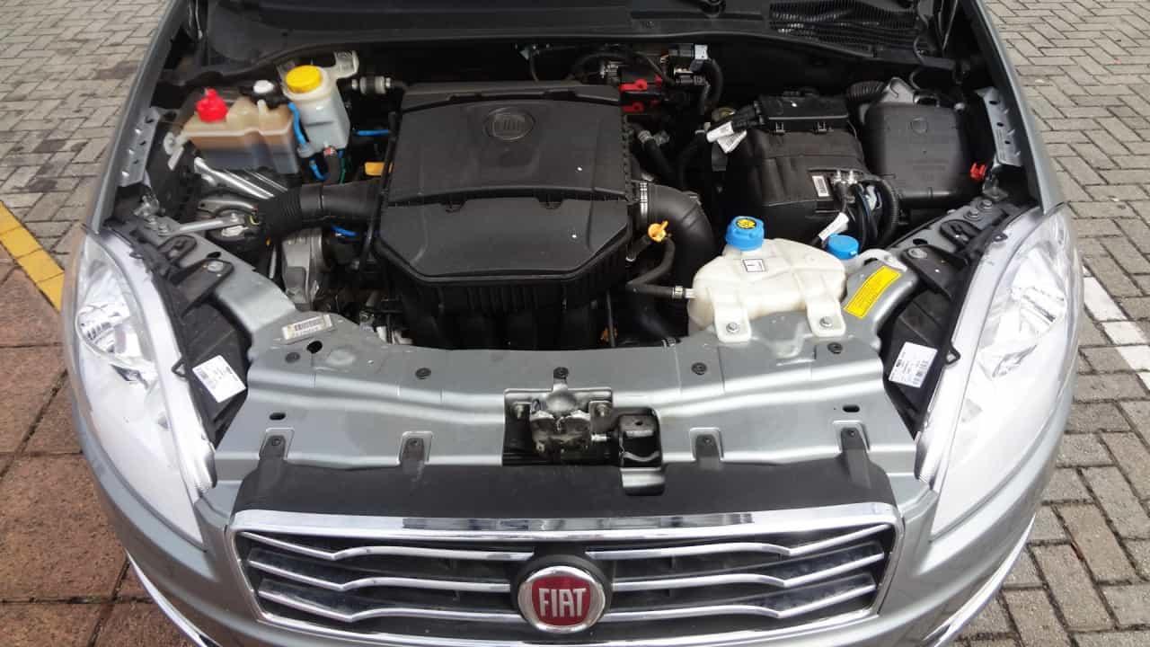 Motor 1.8 16v E. torQ rende 132 cv a 5.250rpm (álcool)  FIAT LINEA ABSOLUTE COM CÂMBIO DUALOGIC PLUS, NO USO DSC05014