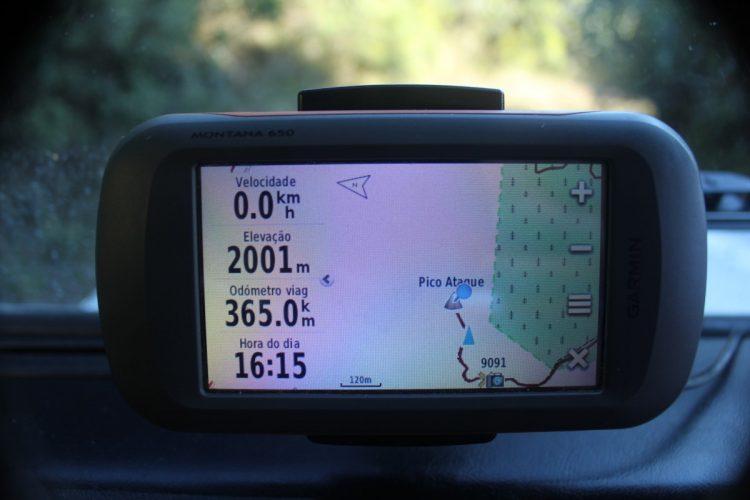 Um bom GPS com bons mapas (a parte mais importante) pode ajudá-lo na navegação pelas trilhas e lugares inóspitos ou desconhecidos  MÁ IDEIA: IR PARA A TRILHA SEM PREPARAÇÃO IMG 0069