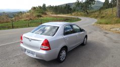 Toyota Etios XLS automatico 123