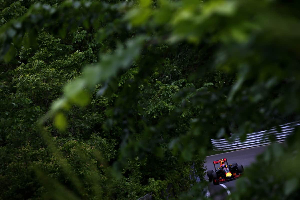 Verstappen amadurece a cada prova. EM disputa selvagem se impós ao líder do campeonato (Foto Red Bull/Getty Images)