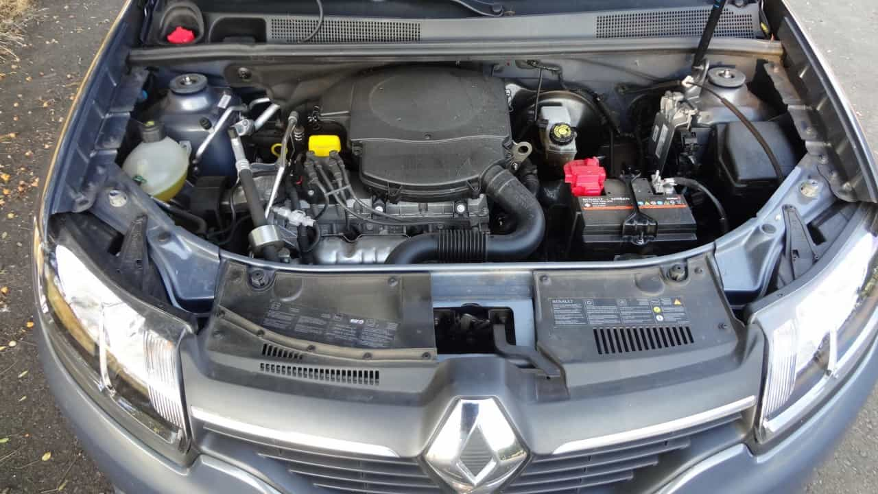 Motor elástico proporciona boas retomadas  LOGAN EXPRESSION 1,6-L MANUAL, NO USO (COM VÍDEO) DSC05463