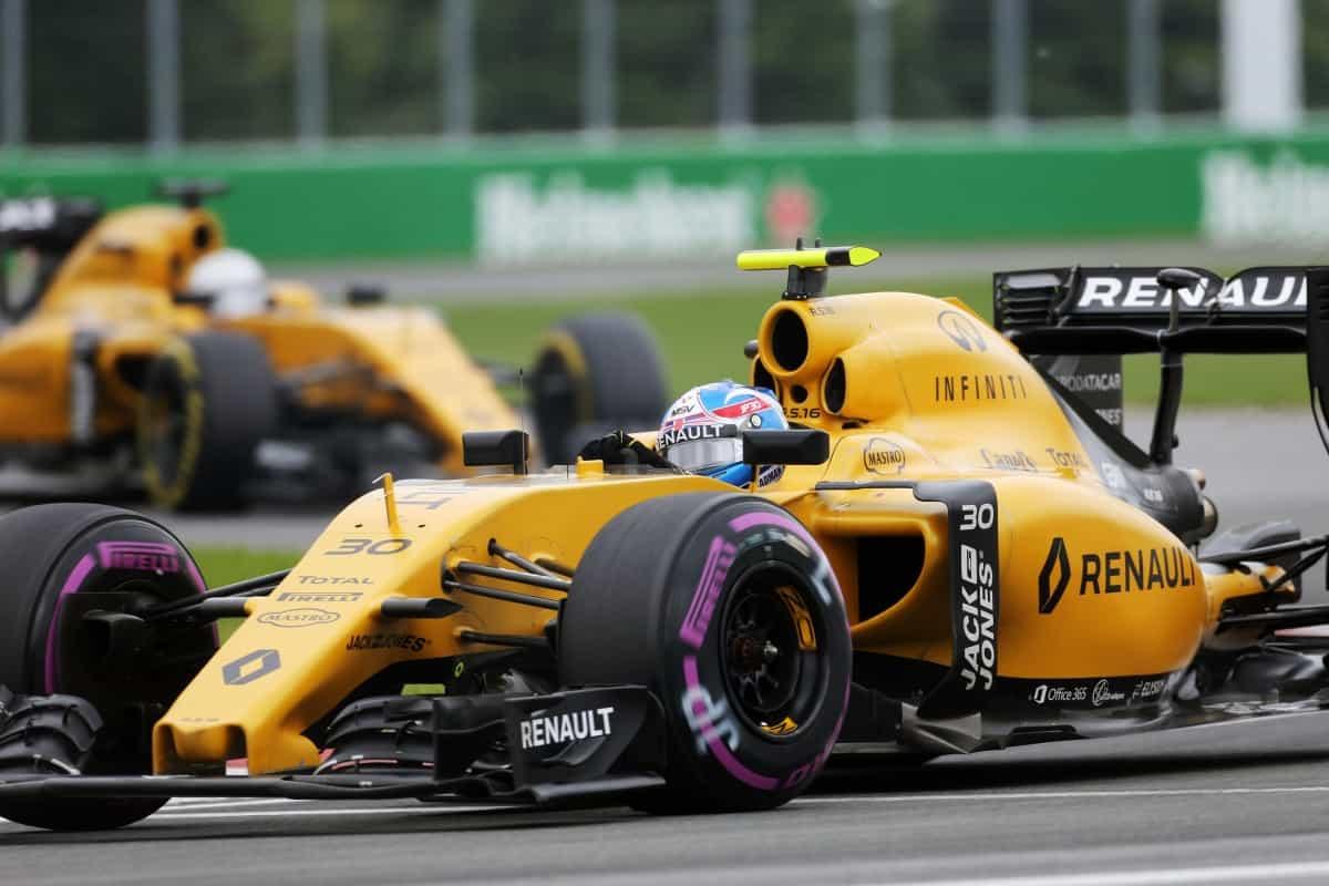 Jolyon Palmer ainda não mostrou a que veio e pode perder a vaga na Renault no final da temporada (foto Renault Sport)