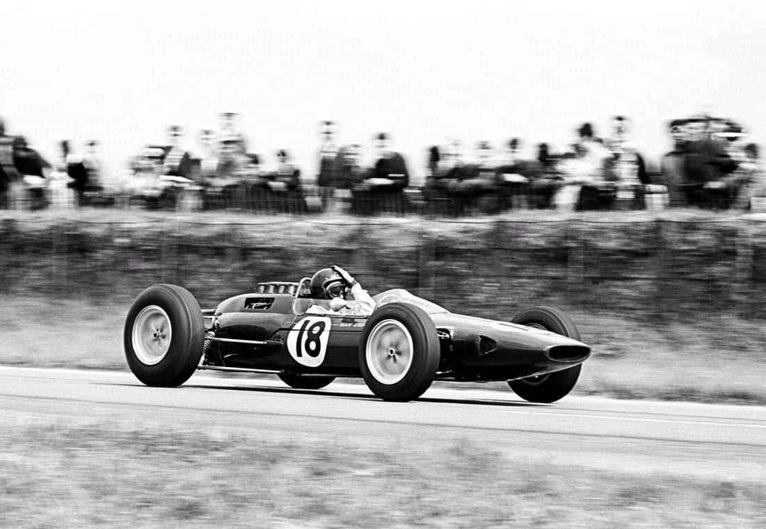 Jim Clark venceu o GP da França em 1963 desligando o motor do seu carro ao final das retas (Foto servimg.com)