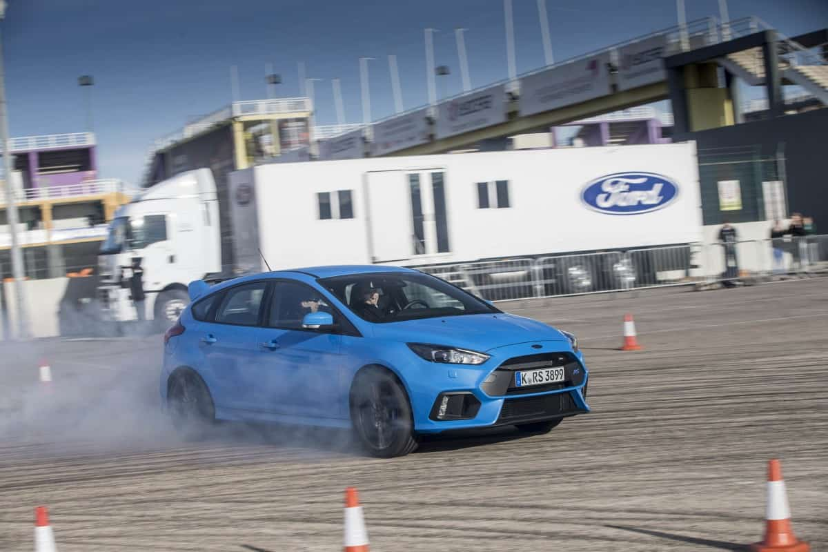 2016-ford-focus-rs-drift-mode-14-1  FOCUS RS TEM MODO DRIFT SURGIDO DE BRINCADEIRA SÉRIA 2016 ford focus rs drift mode 14 1