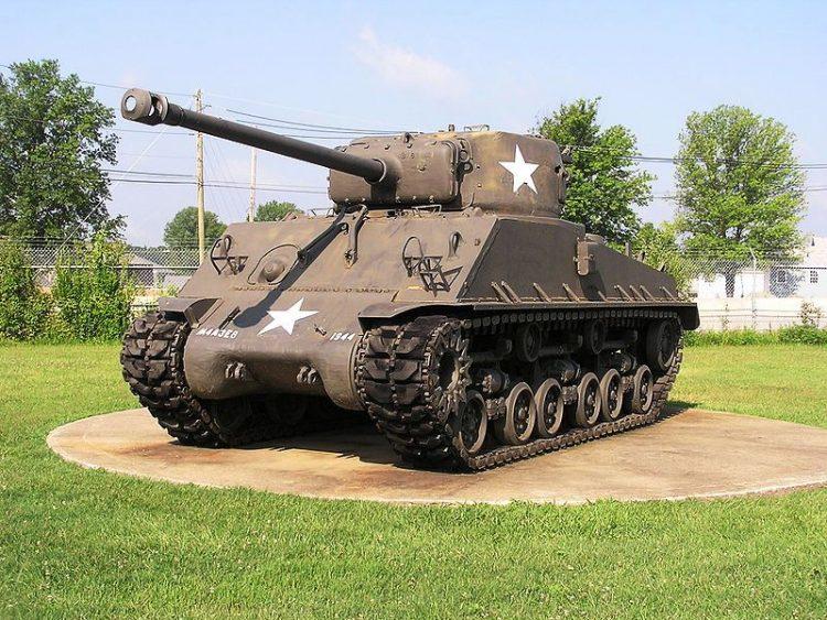 800px-TankshermanM4