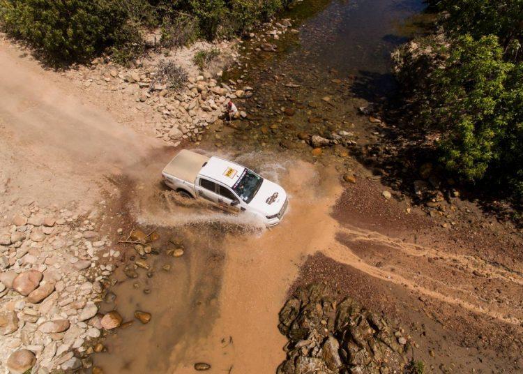 Travessia de um pequeno riacho. Foto: agência Fotop