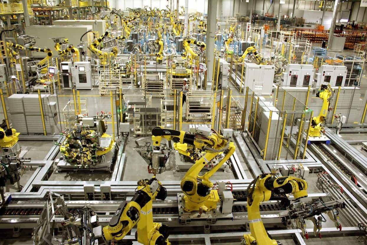 São 420 robôs entre armação, pintura e montagem