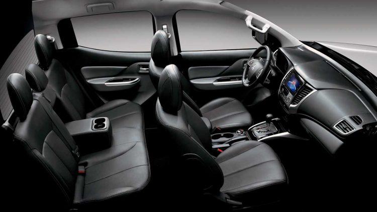 Vista lateral do interior da nova L200 Triton Sport. Foto: divulgação