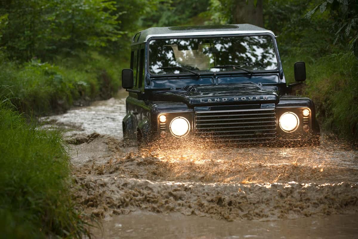 land-rover-defender-1
