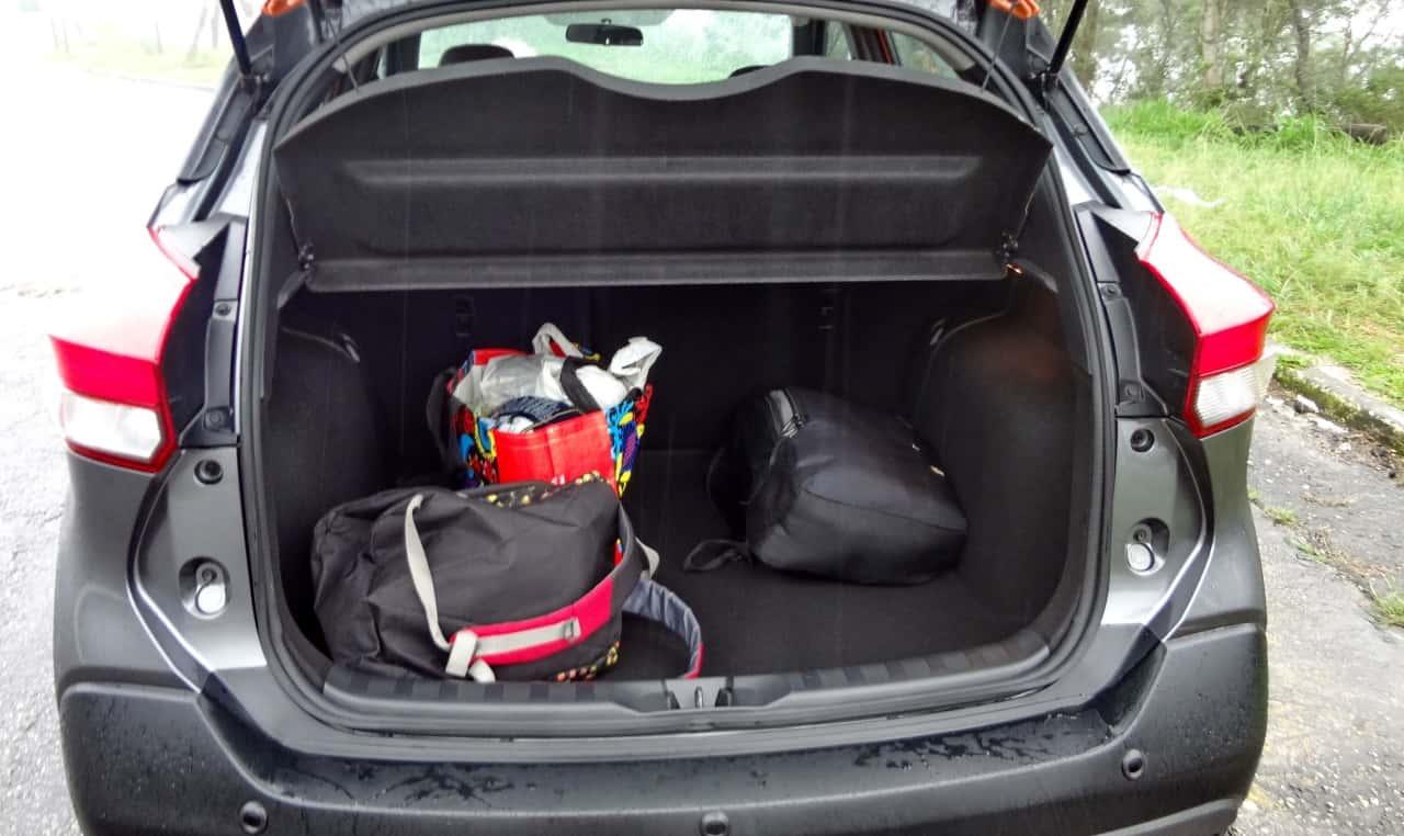 Espaço para bagagens: 432 litros até a altura do encosto do banco