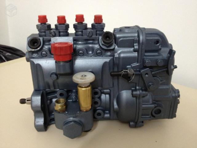 Bomba Bosch em linha do motor MWM D-229/4 (www.olx.com.br)