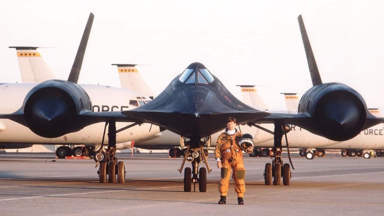 O piloto Terry Pappas com o traje pressurizado (cloudfront.net)