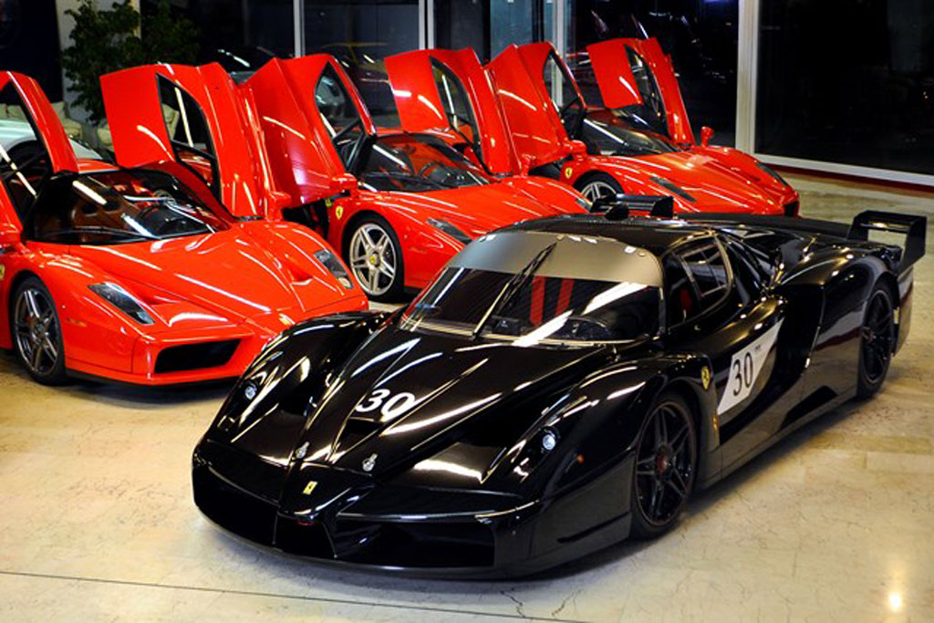 michael-schumachers-ferrari-enzo-and-fxx-image-garage-znith_100431405_l  MOTORWORLD KÖLN TERÁ ACERVO DE SCHUMACHER michael schumachers ferrari enzo and fxx image garage znith 100431405 l