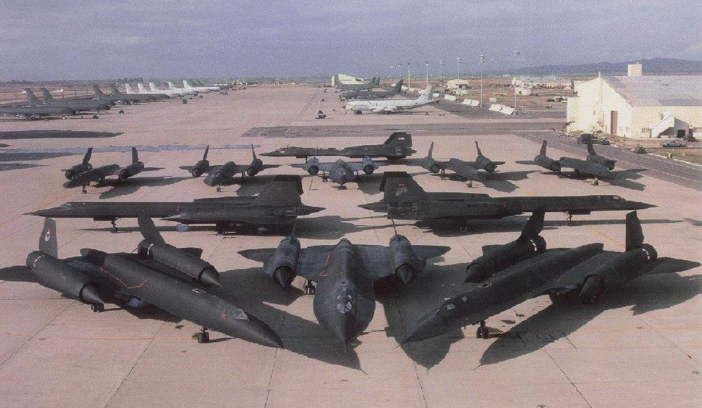 sr71  LOCKHEED SR-71 BLACKBIRD, EXATOS 17 ANOS DEPOIS sr71