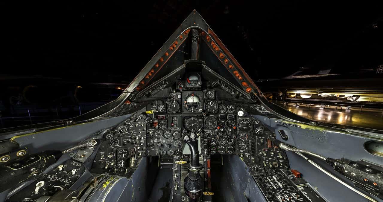 xenugkxfxpur7qafmktu  LOCKHEED SR-71 BLACKBIRD, EXATOS 17 ANOS DEPOIS xenugkxfxpur7qafmktu