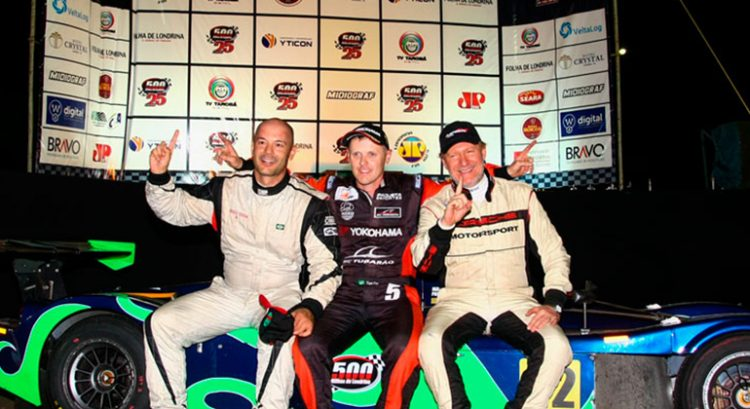 O trio vencedor das 500 MIlhas de Londrina (Foto Divulgação) rosberg NICO, ENFIM CAMPEÃO 20161129 Coluna Vencedores Londrina