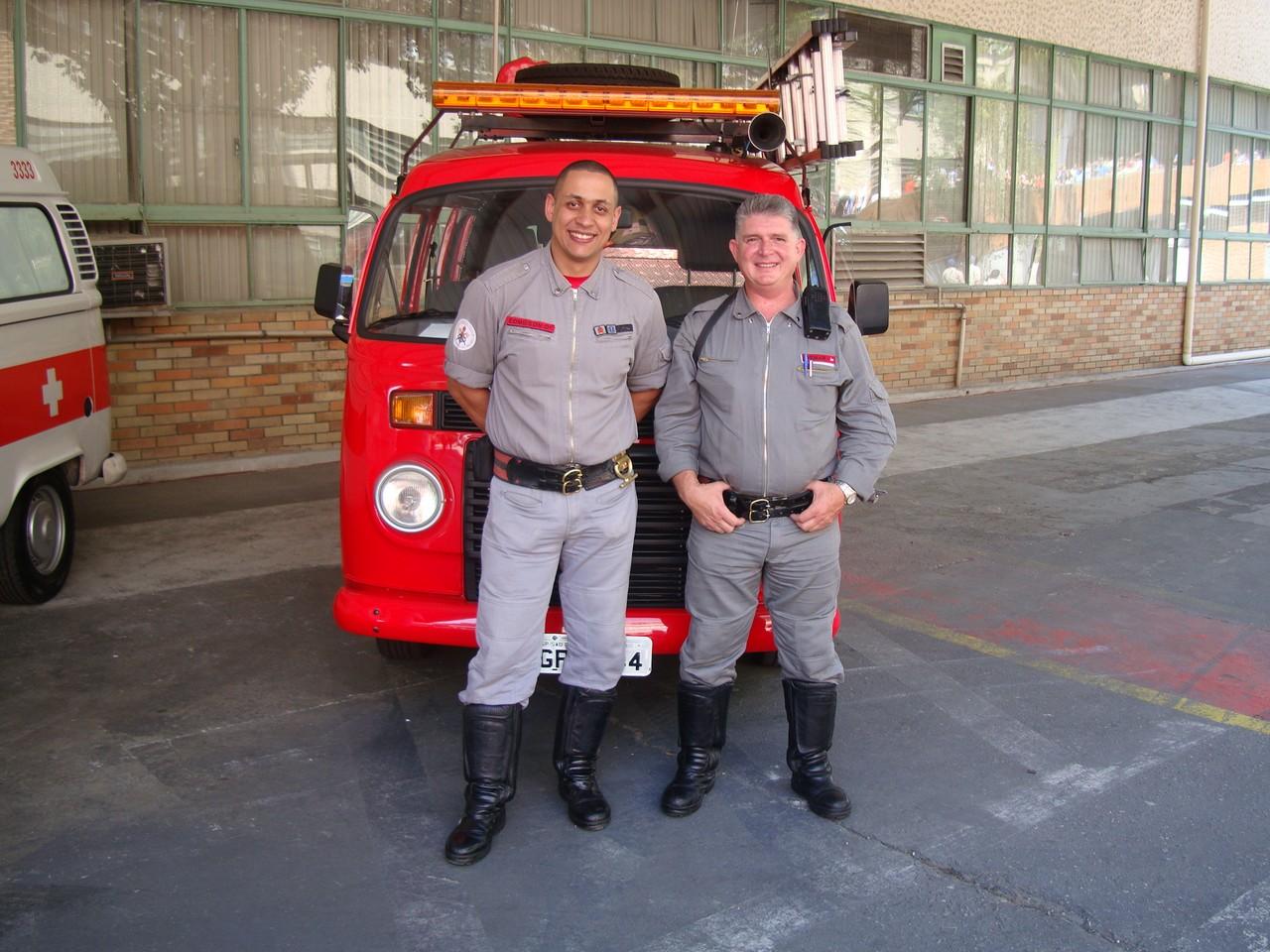 Muitas Kombis prestavam seus bons serviços dentro da fábrica, como no caso dos bombeiros
