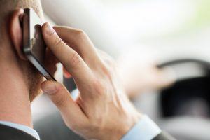 falando-celular