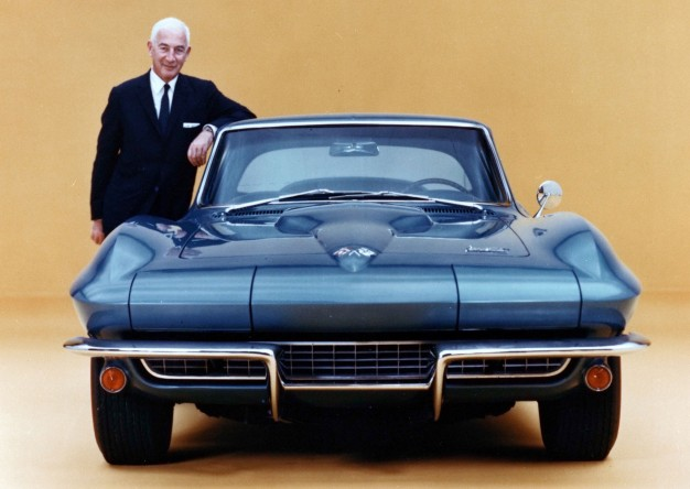zora-arkus-duntov-with-1966-corvette-626x444