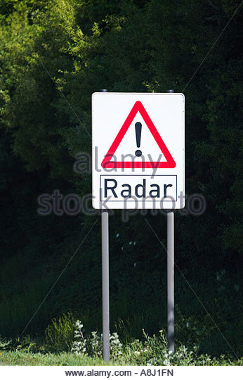 german-autobahn-warning-sign-radar-ahead-in-germany-europe-a8j1fn