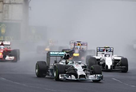 Rosberg largou na pole, terminou em quarto e cobrou o que não era devido (Foto Mercedes Benz Media)