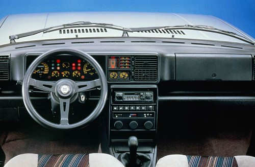Interior do Delta HF 4WD (Lancia Press)