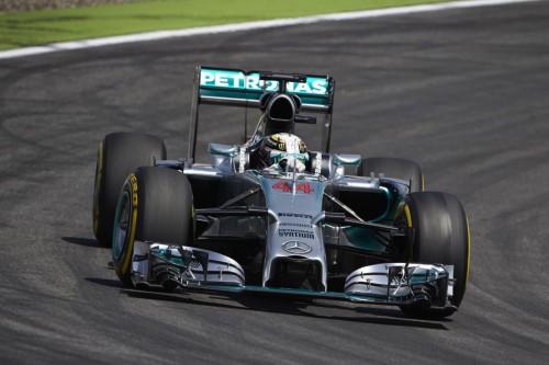 Lewis Hamilton também teve sua dose de problemas (Foto Mercedes Benz Media)