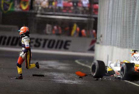 Nelsinho Piquet e o acidente que encerrou sua carreira na F-1 (Foto mIchael schumacher.es)