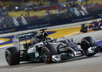 Lewis Hamilton: sétima vitória na temporada e liderança no campeonato (Foto Mercedes-Benz Media)