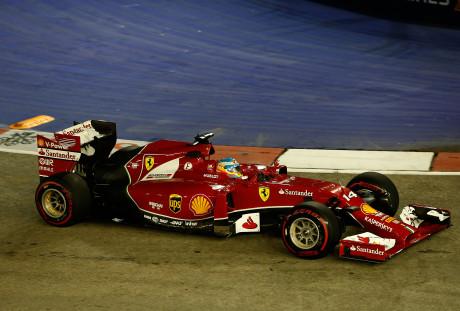 Fernando Alonso: mais uma vez fez milagres com uma Ferrari abaixo da concorrência (Foto Ferrari Media)