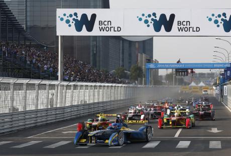 Pequim: largada da primeira corrida de monopostos elétricos (Foto FIA F-E)