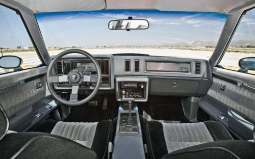 Car of the month Buick Gran National 87 Interior 2