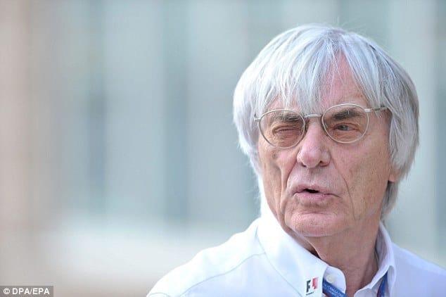 Bernie Ecclestone: preparando terreno para equipes de três carros?