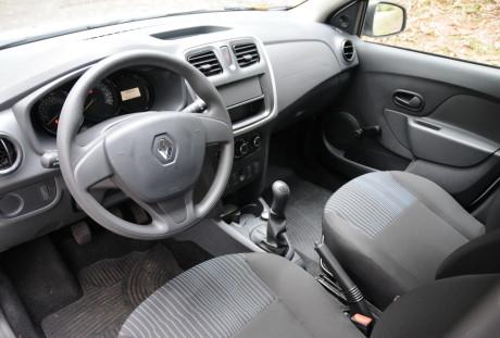 Renault Sandero Autentique 03