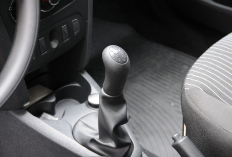 Renault Sandero Autentique 04