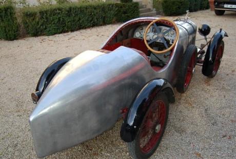 Amilcar CGSs anos 1920, assentos desparelhados (foto: www.gomotors.net)