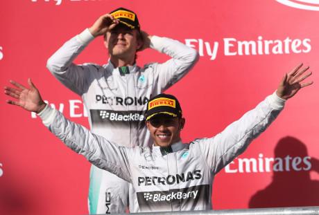 Com a décima vitória do ano Hamilton abre os braços para o segundo título (Foto Mercedes-Benz Media)