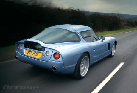 Ótima aerodinâmica, note as linhas bastante lisas e sem quebras abruptas (Car Photo)