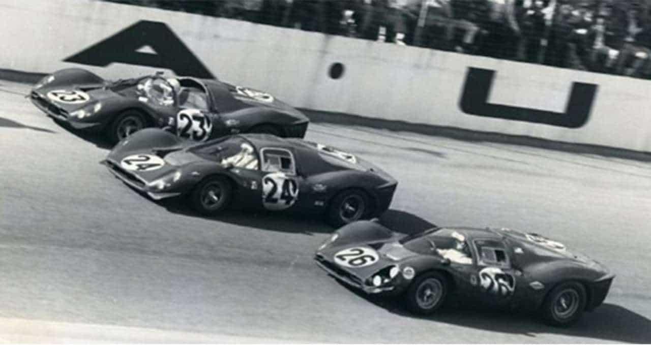 Coluna20150127_Daytona_Ferrari_1967
