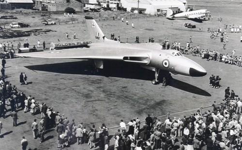 """Um Vulcan B.2, versão que marcou grande evolução na segurança. Note o bordo de ataque com linha """"quebrada"""""""